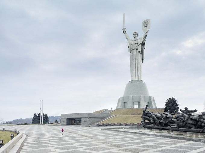 2 Mother of the Fatherland. Kiev, Ukraine, 62 m (203 ft). Built in1981