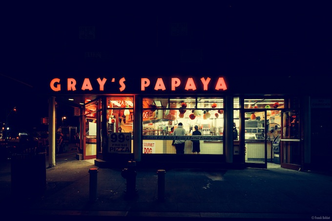Gray's Papaya,  New York, NY, 2013 _ © Franck Bohbot