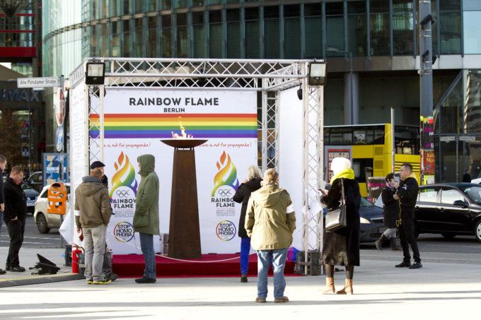 Rainbow Flame Berlin am Potsdamer Platz im Februar 2014.