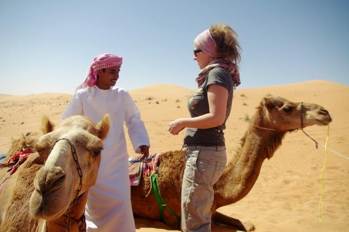 mein lieblingsbild mit zwei kamelen und einem omani