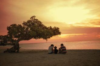 family-at-eagle-at-sunset