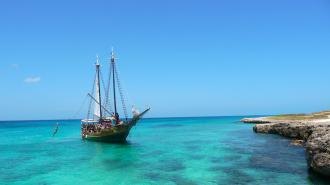 sailing_jolly-pirates-boat-adventure